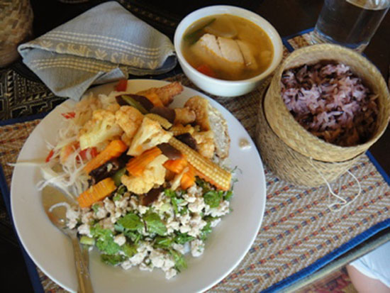 lao-dish-with-sticky-rice